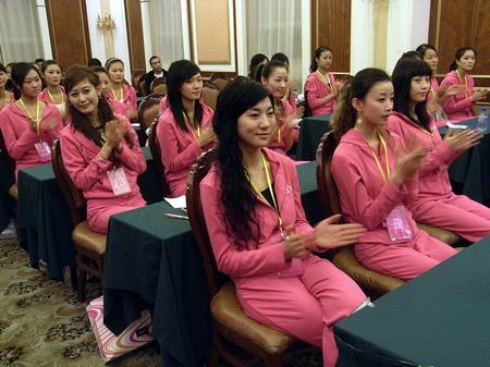 中国36名内衣模特美女南宁比靓组图