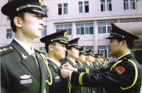 中国修改预备役军官法 加强国防后备力量 - 吉本祥 -  亮劍天下