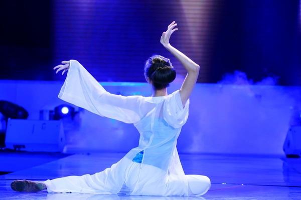 古典舞《云韵》图片