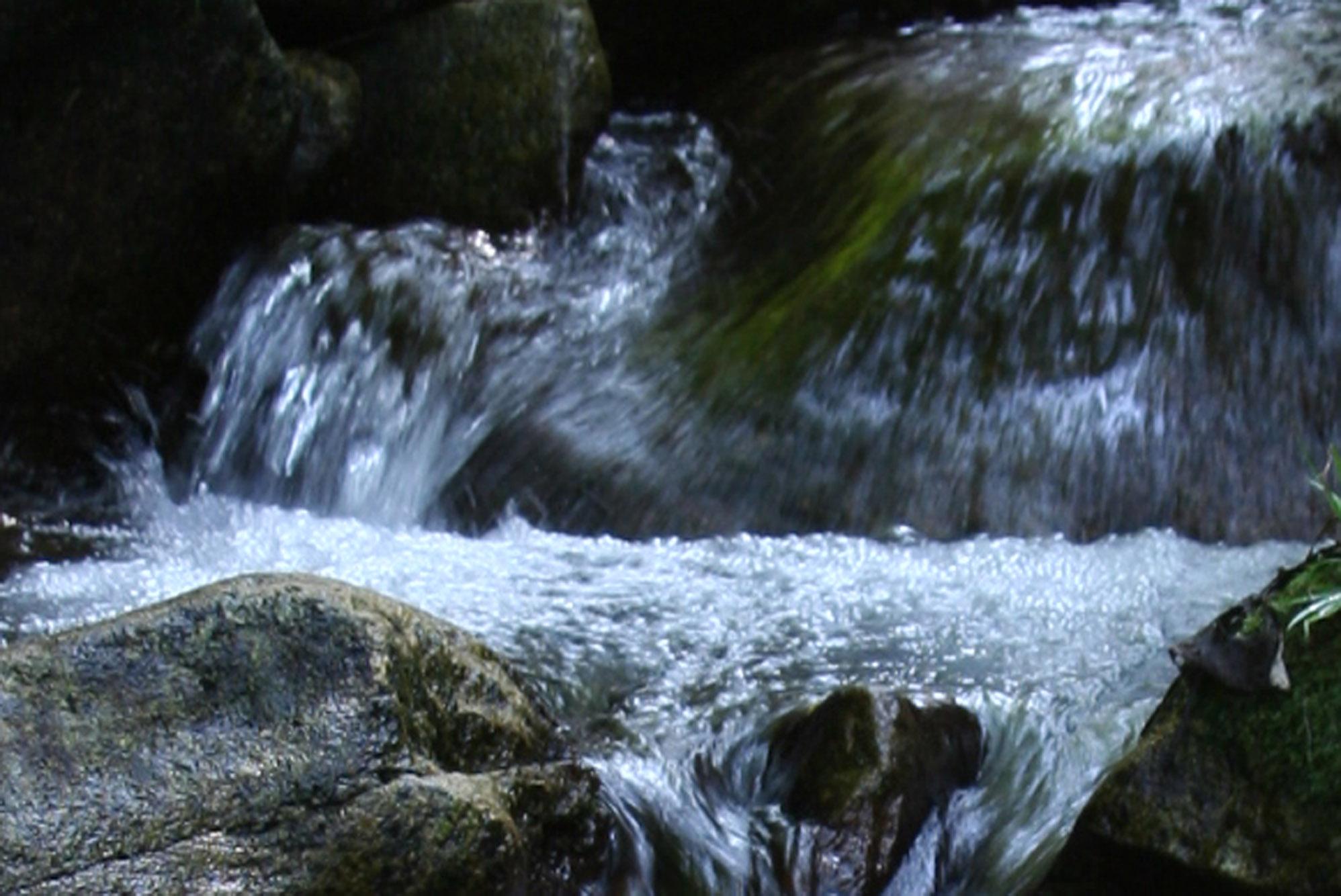 壁纸 风景 旅游 瀑布 山水 桌面 1996_1334