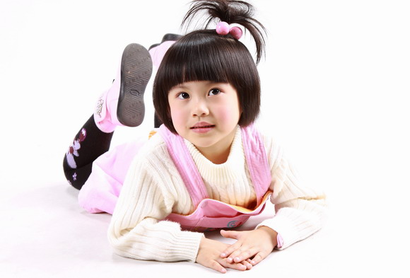 摄影棚儿童平面模特处女拍(组图)