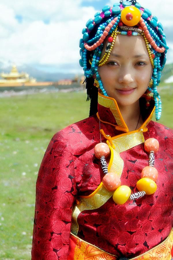 川藏第一美女藏家贵公主仲呷组图 娱乐资讯