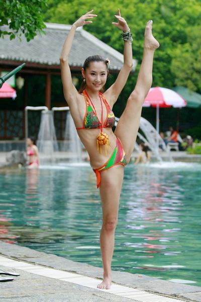 华美寻找南国标准美女比赛九曲湾泳装外拍
