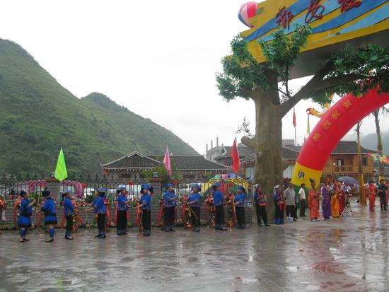 广西都安瑶岭河漂流号称广西第一漂
