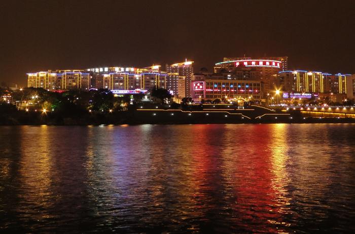 柳州夜景美如画,2011年2月18日夜拍柳江风景.